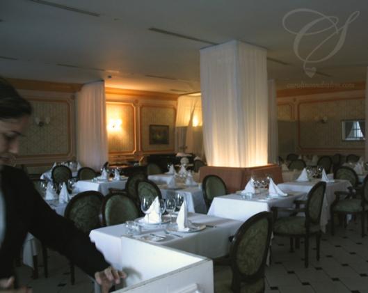 Marseilles, the French restaurant. Marseilles; le resto français.