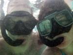 Creepy snorkeling couple. Couple un peu épeurant!