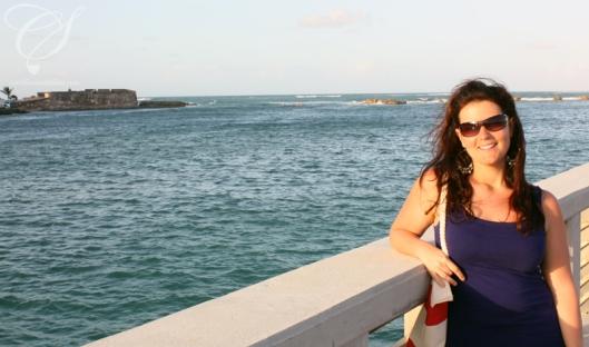 On the bridge to Condado. Sur le pont. Destination: Condado!