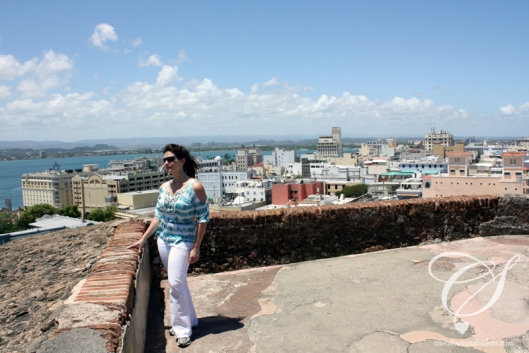 On the roof of Castillo San Cristobal. Sur le toît du Castillo San Cristobal.